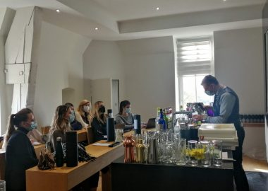 Mixologie, pâtisserie ou encore Think Tank hôtelier au programme d'un Workshop sur-mesure pour nos étudiants de MSc